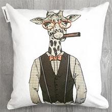Подушки с принтом Жираф Хипстер