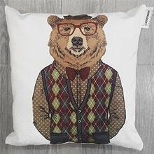 Подушки с принтом Медведь в свитере