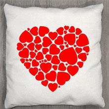 Подушки с принтом Красное сердце